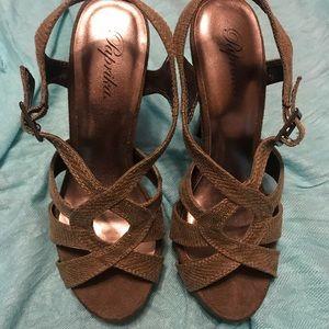 Taupe lizard design heels